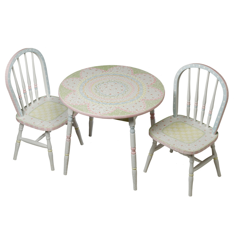 Round Play Table And Chair Set In Renaissance With Serendipity Motif