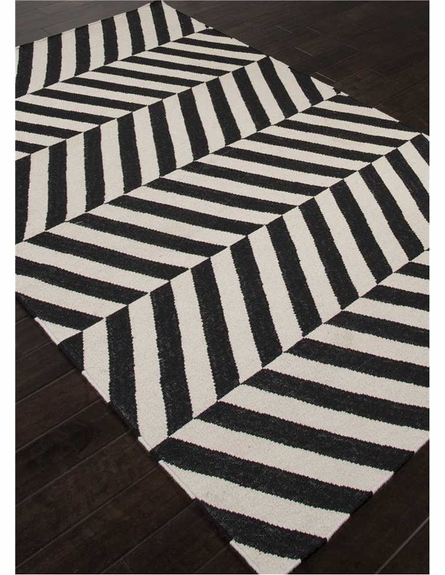 Salma Chevron Rug in Ebony