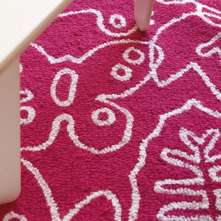 Seasons Rug in White and Pink - Large