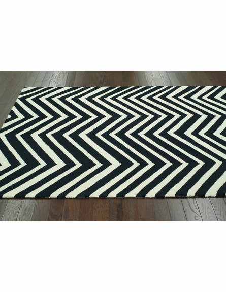 Skinny Chevron Rug in Black