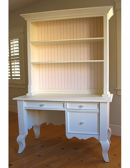 Small Queen Ann Desk with Hutch