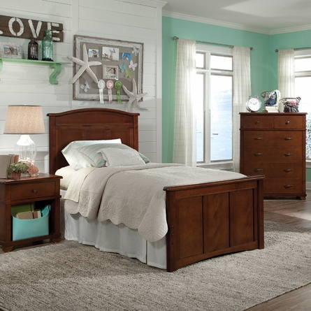 Woodridge Arched Bed in Chestnut
