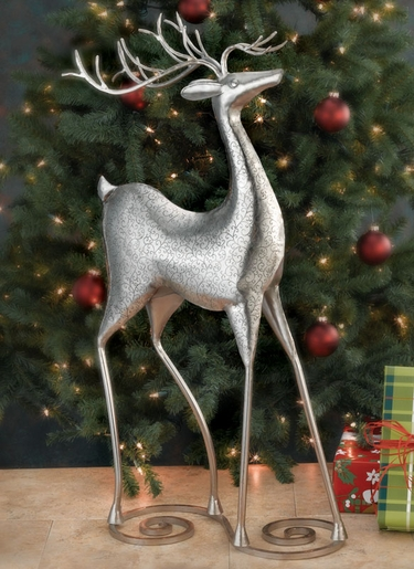 Christmas Reindeer Decor - Click to enlarge