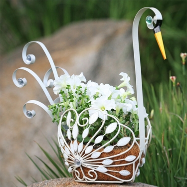 Filigree Swan Planter - Click to enlarge