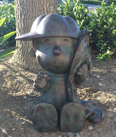 Peanuts Collection: Linus w/Blanket - Bronze Patina - Click to enlarge