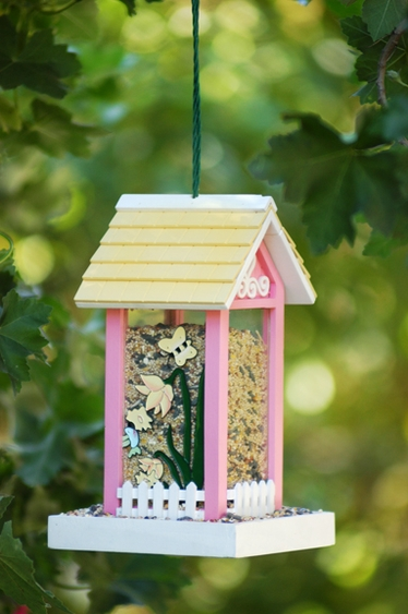 Sweet Bee House Bird Feeder - Click to enlarge