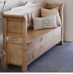 Beach Cottage Entry Bench