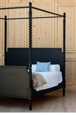 Cambridge Canopy Bed