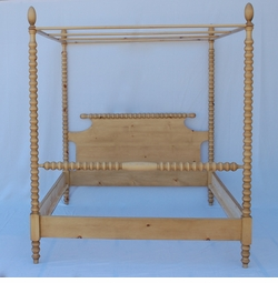 English Farmhouse Spindle Canopy Bed <font color=a8bb35>NEW</font>