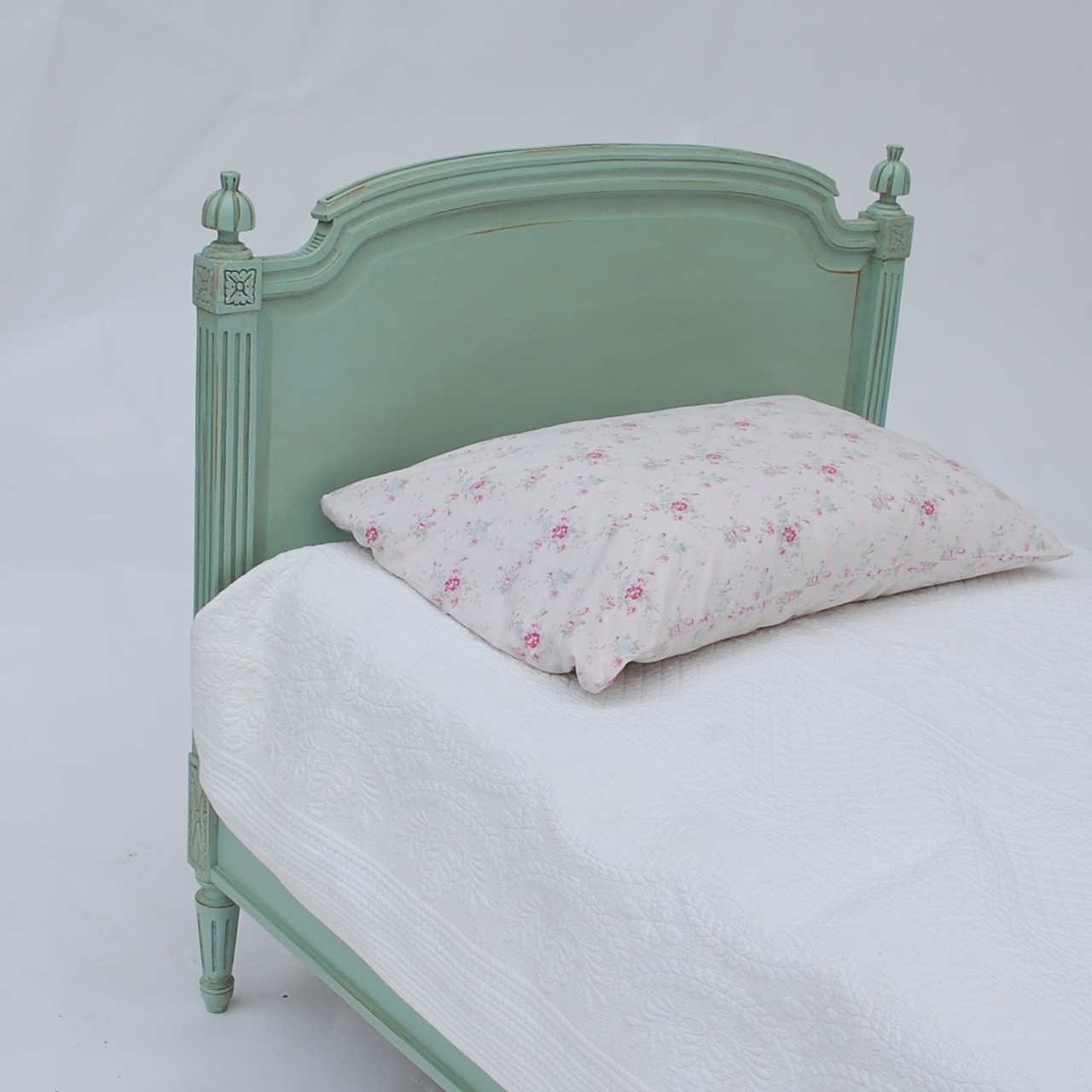 Madeline Bed New
