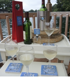 On Lake Time Wine Lover's Collection