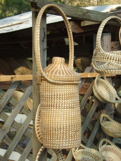 Sweetgrass Wine Carrier