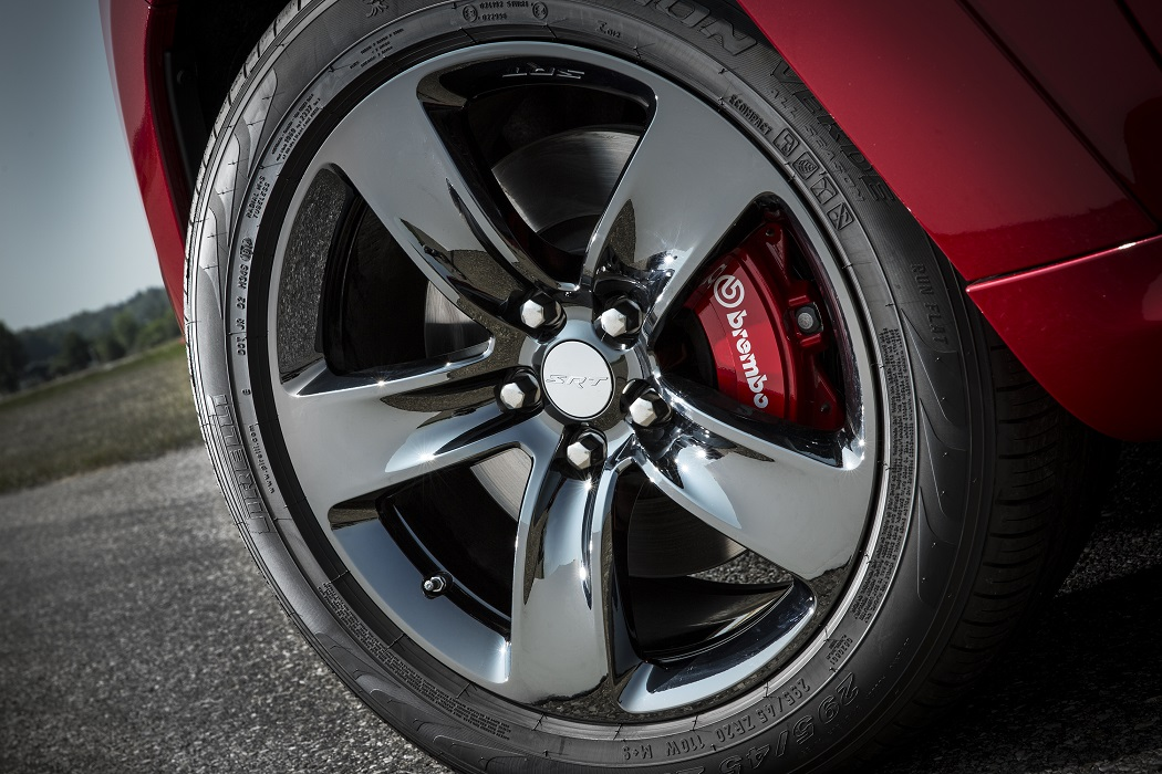 2015 Red Vapor SRT8 Black Chrome Wheel