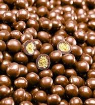"Valrhona ""Les Perles Craquantes"" Crunchy Cereal Pearls Coated in Milk Chocolate, Caramel Flavored, 36% Cocoa, Repackaged, 1 lb."