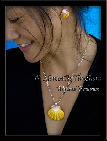 Big Bright & Beautiful Hawaiian Sunrise Shell Pendant Silver Necklace with Matching Sunrise Shell Earrings