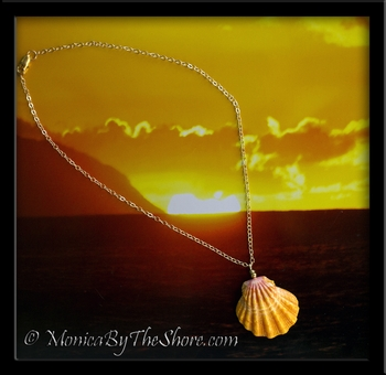 Hawaiian Gold Sunrise Shell Pendant Gold Chain Necklace