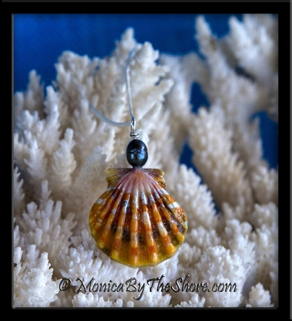 Orange and Black Hawaiian Sunrise Shell and Tahitian Black Pearl Necklace
