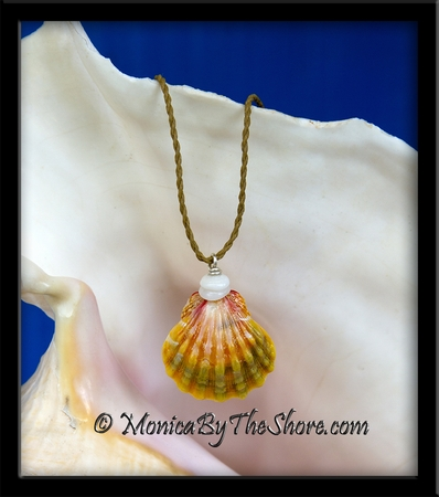 "Pastel Colors Hawaiian Sunrise Shell & Puka Shells ""Country Style"" Necklace"