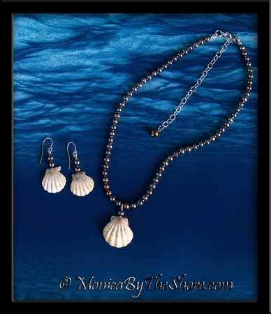 Rare Albino White Hawaiian Sunrise Shells & Black Pearls Necklace & Earrings Set