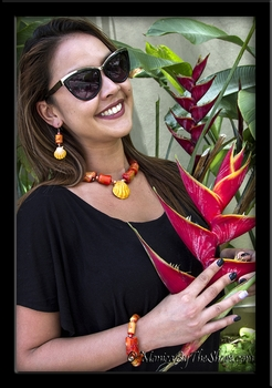 Red Coral & Hawaiian Sunrise Shell Choker Necklace & Matching Bracelet and Earrings Set