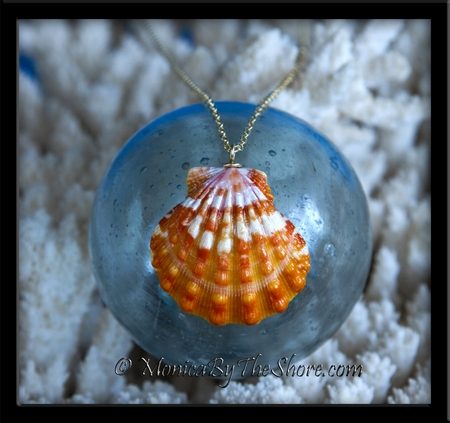 Spectacular Juicy Tangerine Hawaiian Sunrise Shell Gold Necklace