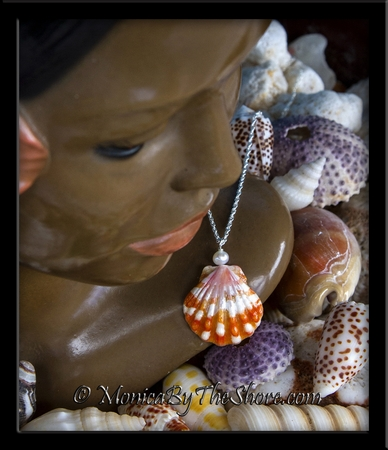 Tiger Stripe Red White Hawaiian Sunrise Shell Pearl Necklace
