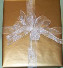 Classic Gold Gift Wrapping
