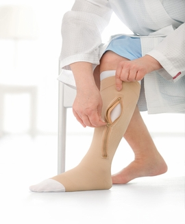 Jobst' UlcerCARE Zippered Stocking and Liner