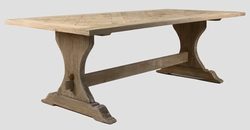 GENT DINING TABLE