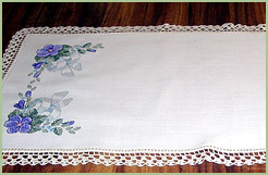 Tablerunner & Napkins with Violets
