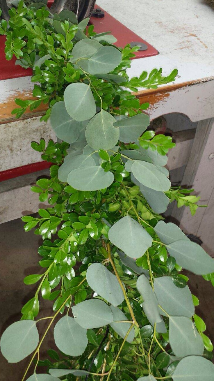how to make garland from fresh greenery