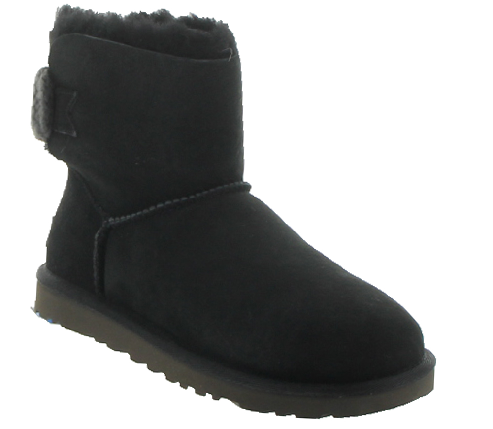 black bailey bow uggs size 5
