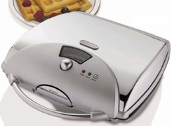 Delonghi WR45 Retro Belgian Waffle Maker - click to enlarge