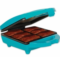 Holstein Housewares HF-09012E Fun Brownie Maker - click to enlarge