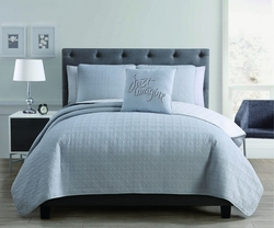 4 Piece Maze Light Gray/White Quilt Set