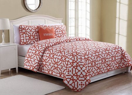 4 Piece Energy White/Coral Quilt Set