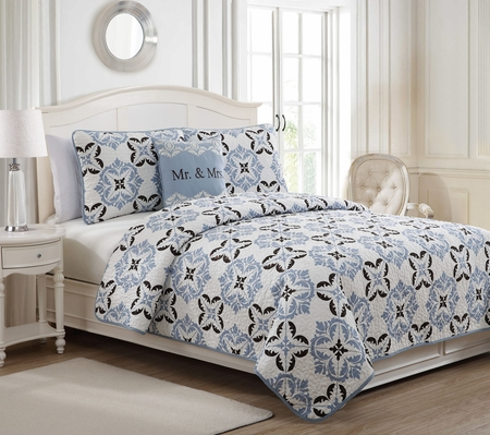 4 Piece Mr and Mrs Blue/Chocolate/White Quilt Set