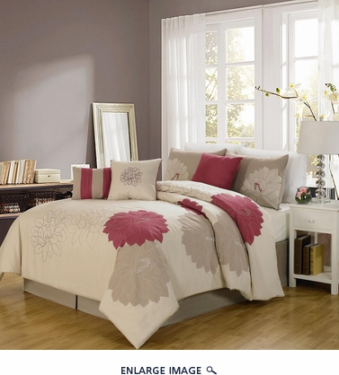 7 Piece Queen Roslyn Applique Comforter Set