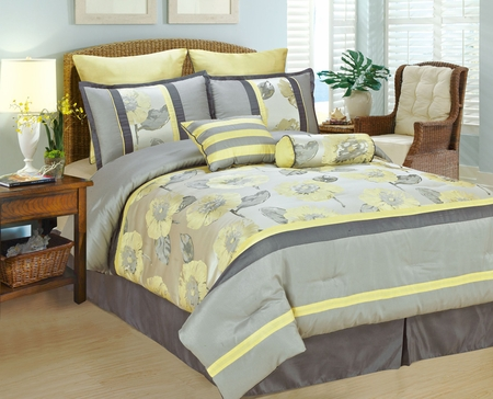 8Pcs Queen Peony Bedding Comforter Set