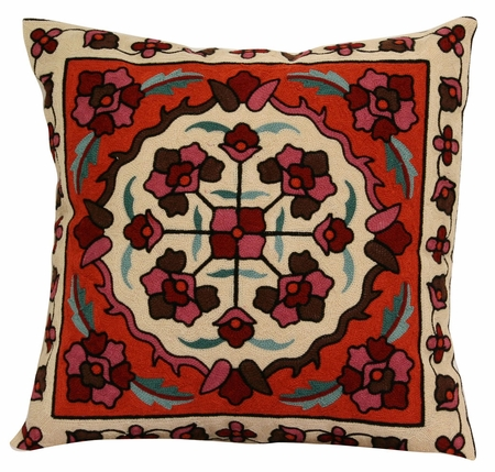 Medallion Decorative Throw Pillow 18