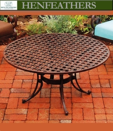 "Cross Plait Round Conversation Table 38"" {USA}n"