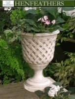 Lattice  Weave Urn {USA}