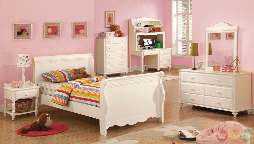 Adriana Princess White Sleigh Bedroom Set with Molding