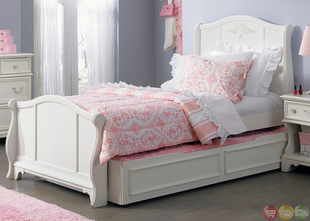 Arielle White Finish Youth Traditional Sleigh Bedroom Set