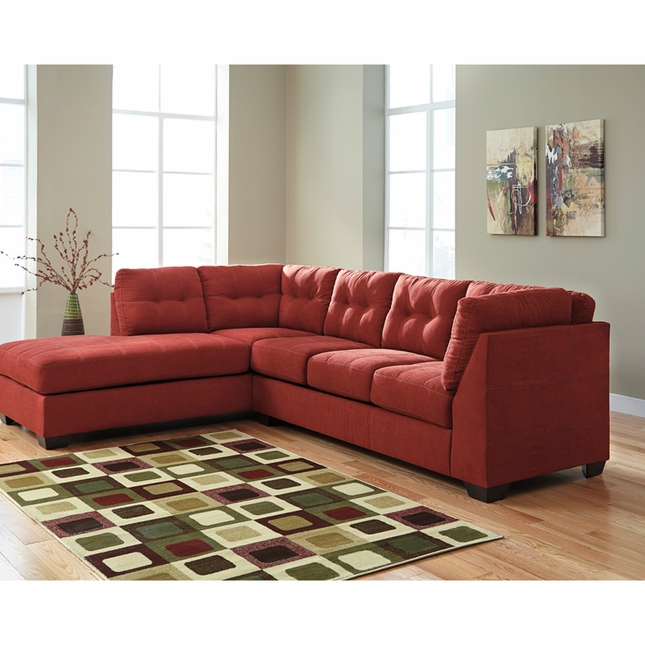Benchcraft Maier Sectional With Left Side Facing Chaise In Sienna Microfiber