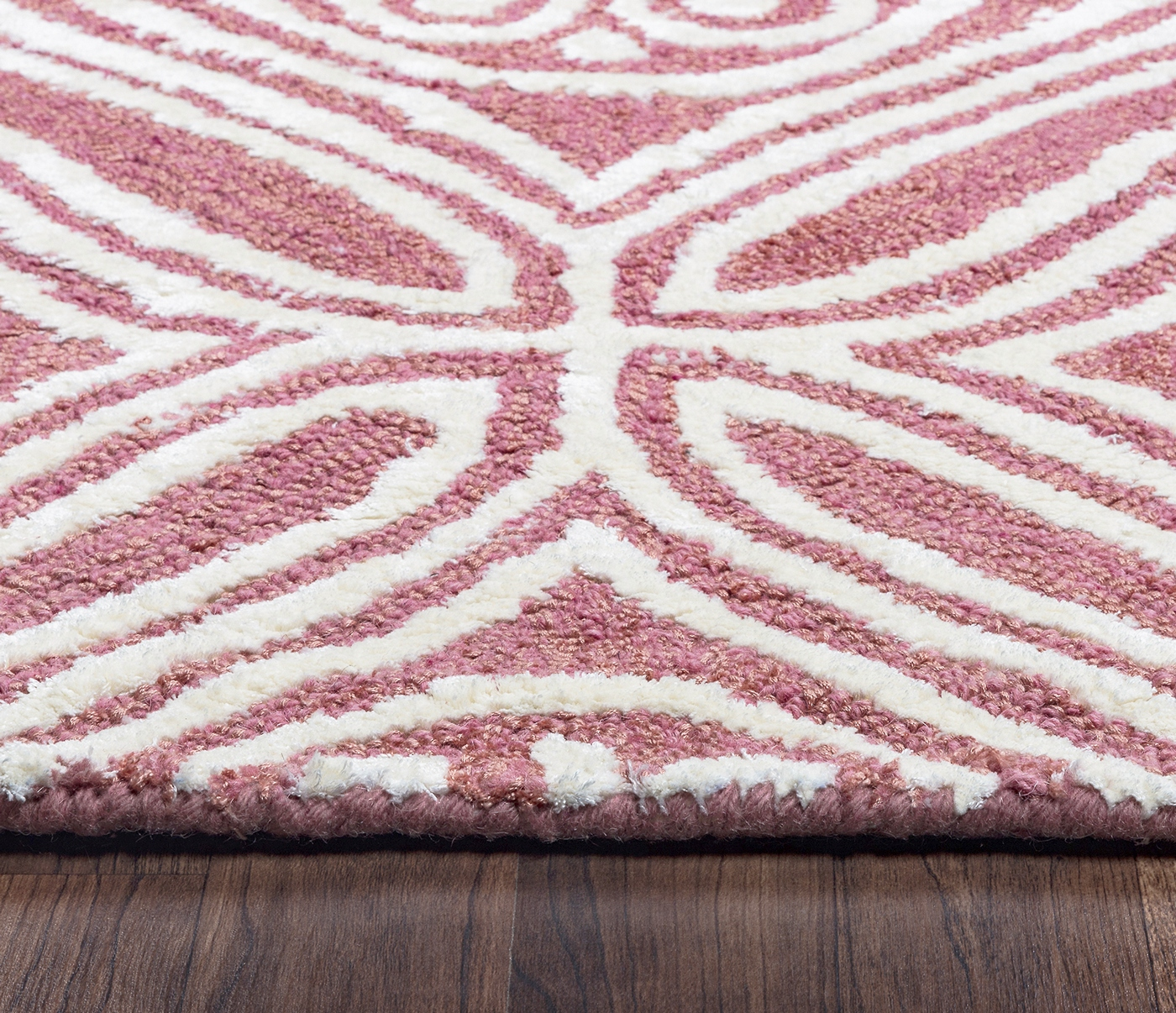 Eden Harbor Diamond Trellis Wool Runner Rug In Pink & Off