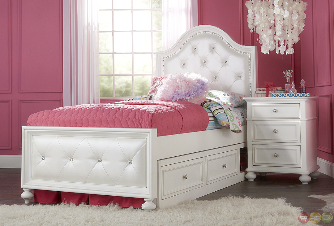 Madison Natural White Painted Upholstered Twin Youth Bed