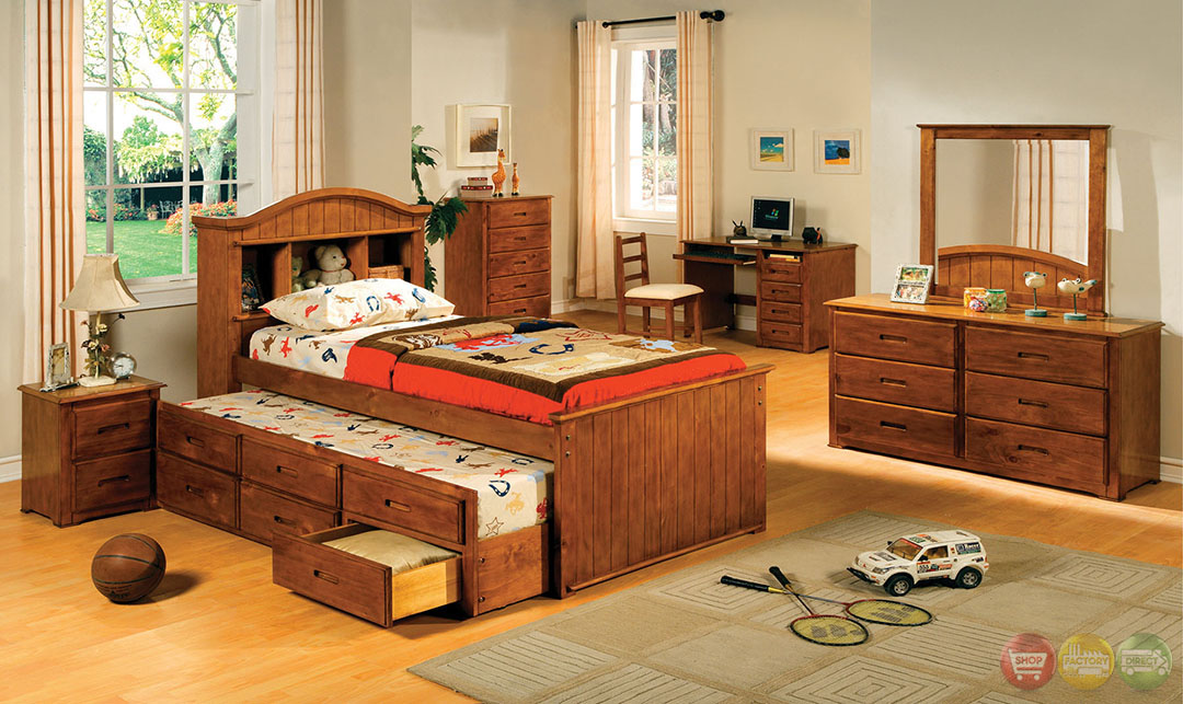 Montana I American Oak Platform Captain Bedroom Set With Bookcase