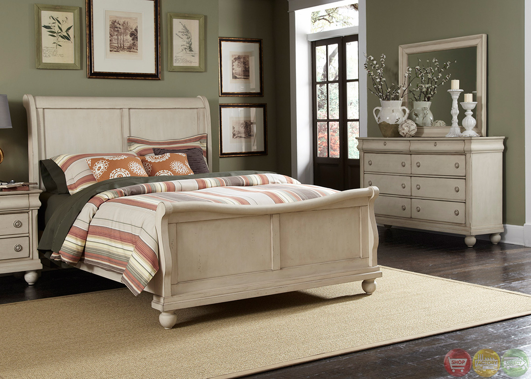 Rustic Traditions II Whitewash Sleigh Bedroom Furniture Set
