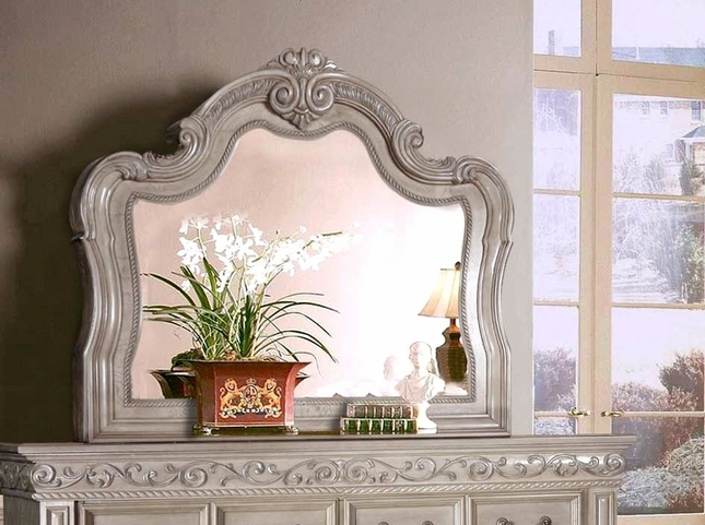 Valentine Antique Style Mirror W/ Carved Details In Antique White Finish